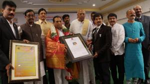 Dr.M.K.Ramu get Vishwa Guru World Record for Playing 12 Hrs Cultural Events